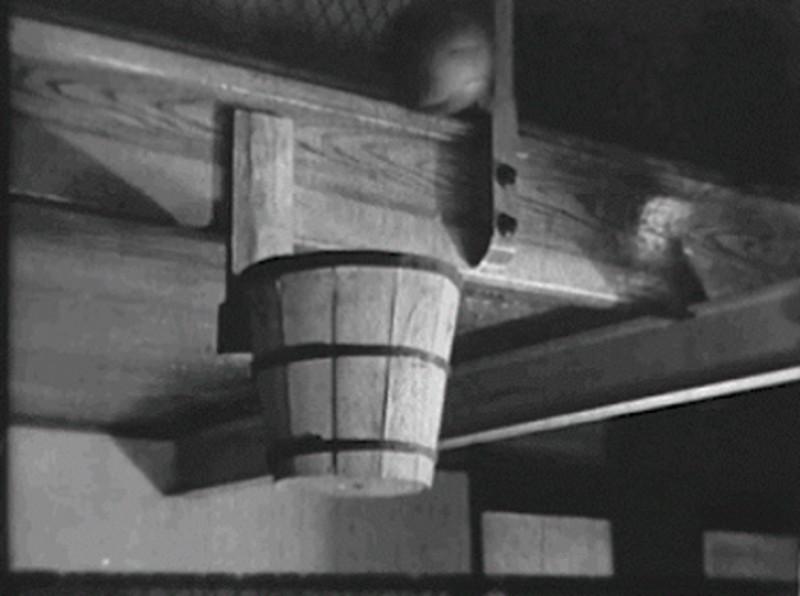 Корзина для сбора персиков стала первой баскетбольной корзиной
