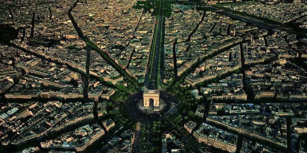 Париж с высоты птичьего полёта