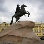 Кто изображен на памятнике медный всадник?