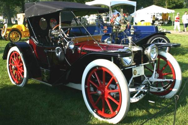 Первые автомобильные шины
