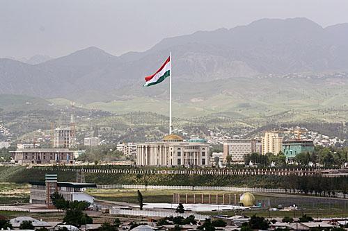 В Тажикистане располагается один из самых высоких флагштоков