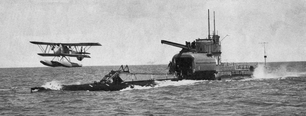 Английский подводный авианосец HMS M2