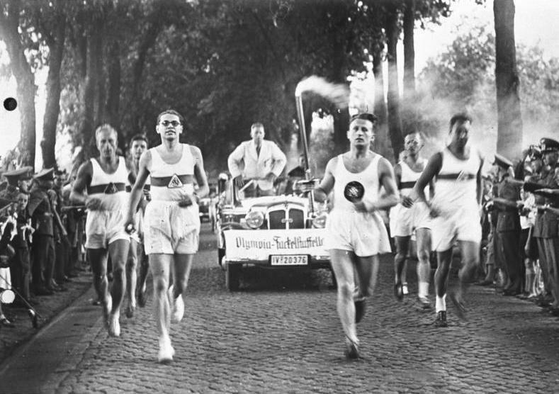 Церемония эстафеты олимпийского огня была придумана нацистами для Олимпиады-1936 в Берлине.