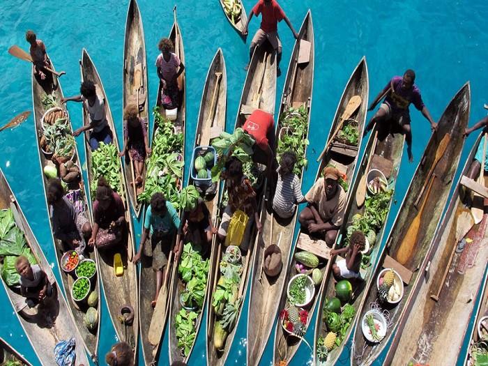 Плавучий рынок на Соломоновых островах