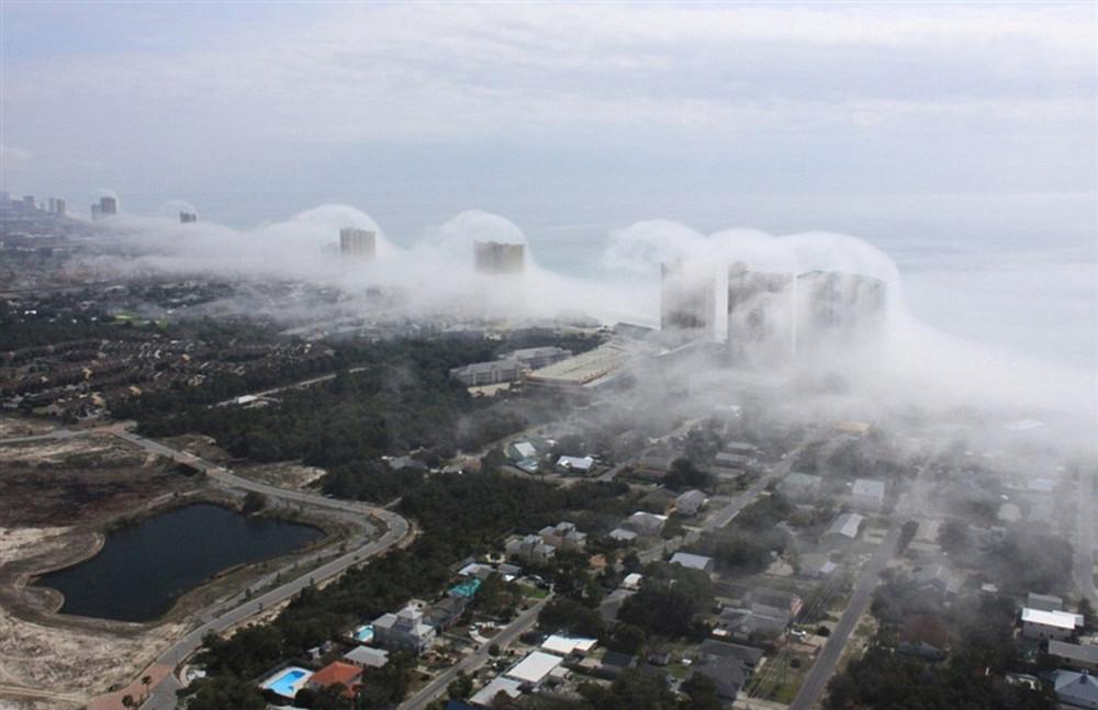 Condo Wave Clouds