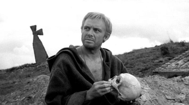"""Кадр из фильма """"Гамлет"""" (1964)"""